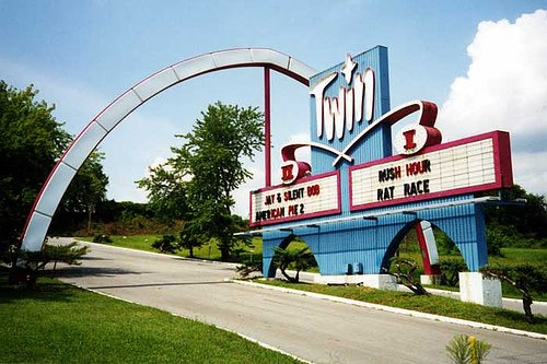 6.) B&B Theatres Twin Drive-In (Independence)