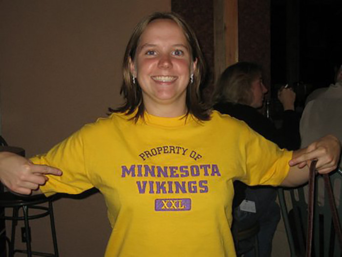 5. They're wearing an article of clothing that references their hometown, school, or team... all from Minnesota.