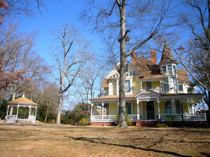 14) Mansion in Hartwell, GA
