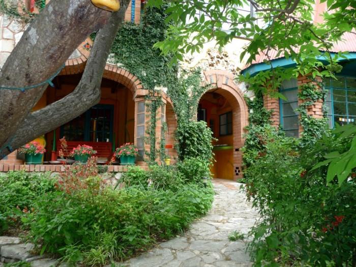2) Casa Neverlandia (Austin)
