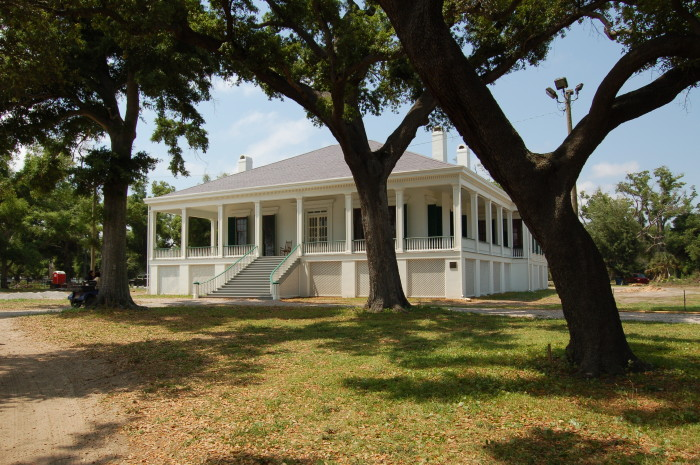 5. And if you want to continue visiting homes of historical figures, you'll need to visit Beauvoir, the final home of Jefferson Davis.