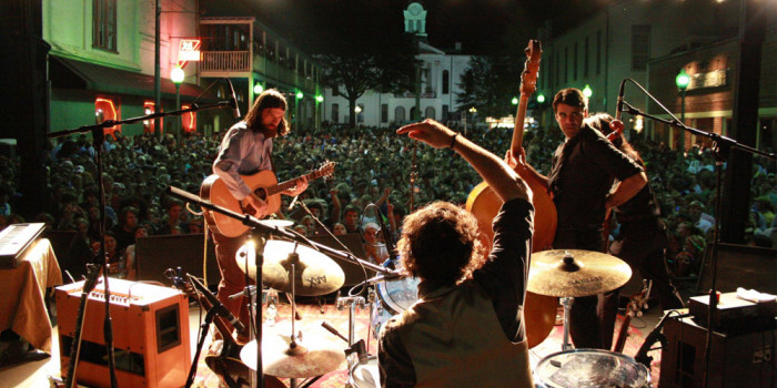6. Dance the night away at Oxford's Double Decker Festival.