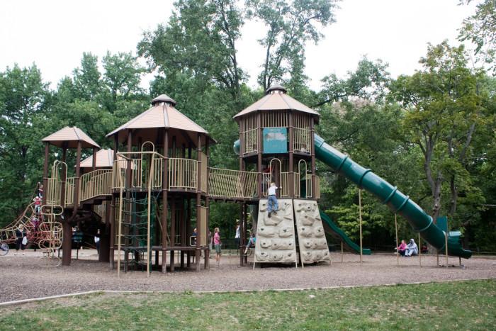4. Holiday Park