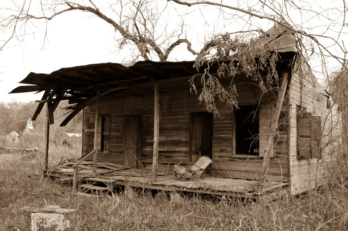 6. Located in the abandoned town of Rodney, you can't help but wonder what secrets this dilapidated home holds.