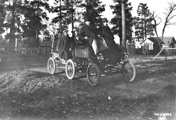12. This sweet ride was the first to arrive at the Grand Canyon and moved a whopping speed. In fact, it only took the crew's return trip to Flagstaff approximately 7 hours.  (1902)