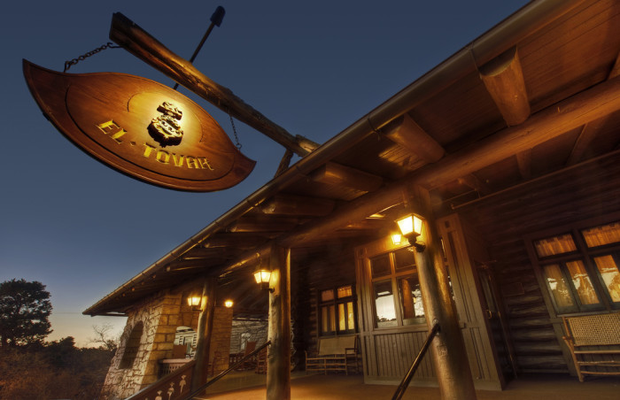 4. El Tovar Hotel, Grand Canyon