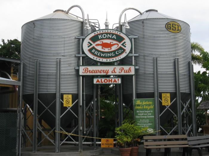 8) Kona Brewing Co. Pub & Brewery is the perfect place to stop for a beer, and Hawaiian style pub food.