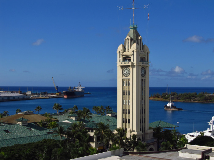 8) Hawaii is in its own time zone, and does not practice Daylight Saving Time.