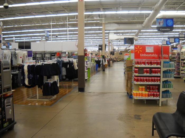 800px-InsideWalmartWestPlains