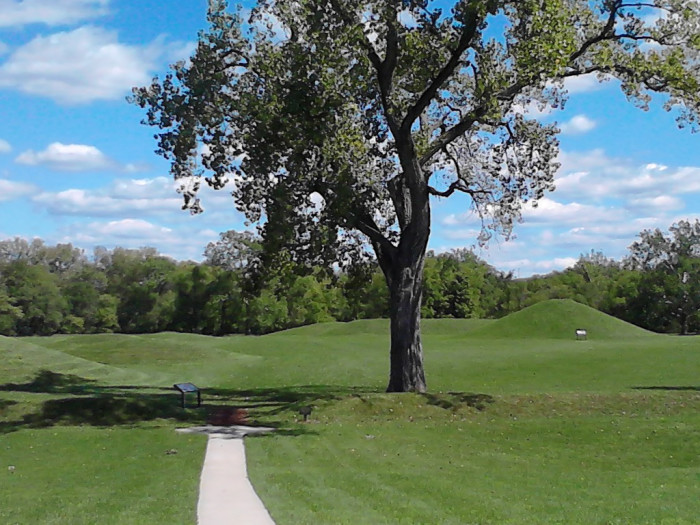 3) Hopewell Culture National Historical Park (Chillicothe)