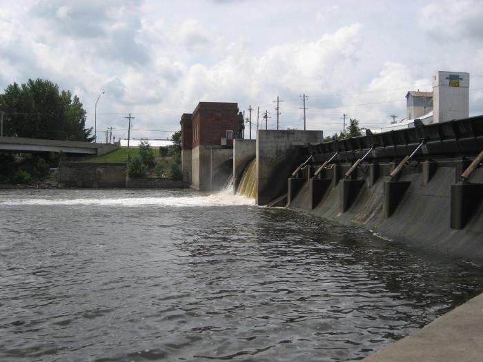8. Cedar River, between Mitchell Dam and Nashua