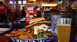 These 10 Burger Joints In Iowa Will Make Your Taste Buds Explode