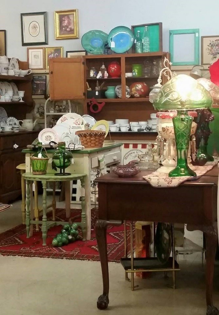 Here Are 10 Antique Shops In Alabama To Visit For That One Of A Kind  Treasure