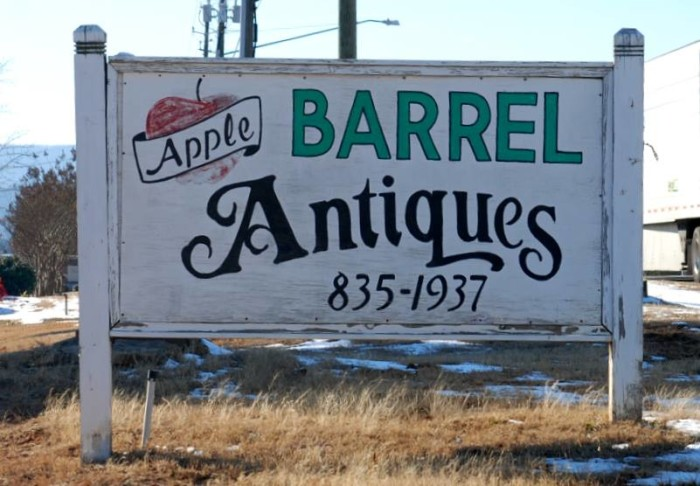 4. Apple Barrel Antiques and Gifts - Oxford, AL