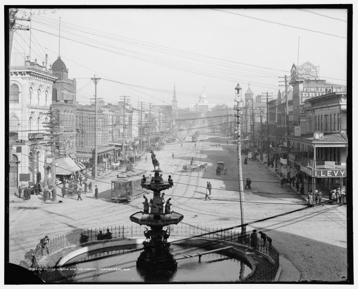 6. In 1886, Montgomery introduced the world's first electric trolley system.