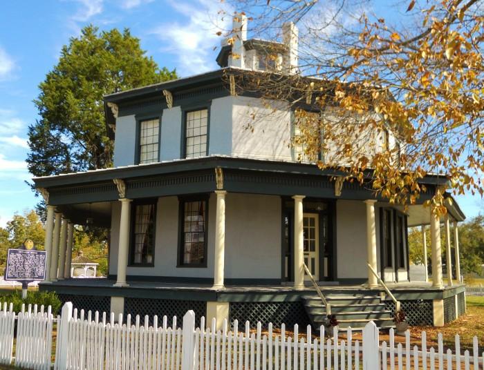 2. Petty-Roberts-Beatty Octagon House - Clayton, AL