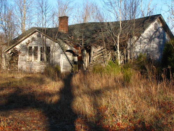 15) Doesn't this abandoned spot make you wonder about who once lived here?