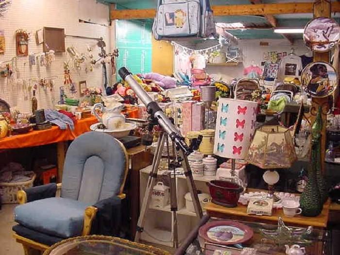 4) Cleveland Street Flea Market  -  Memphis