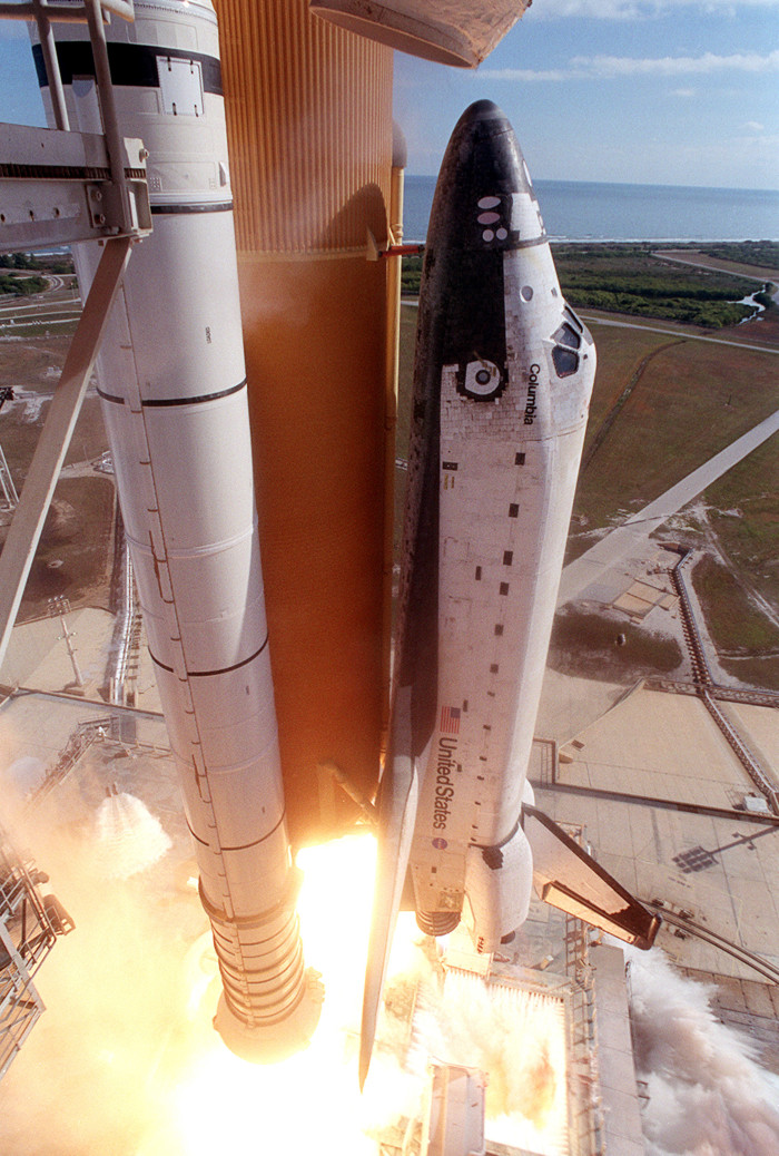 4) When the Columbia space shuttle exploded over Texas and Louisiana in 2003.