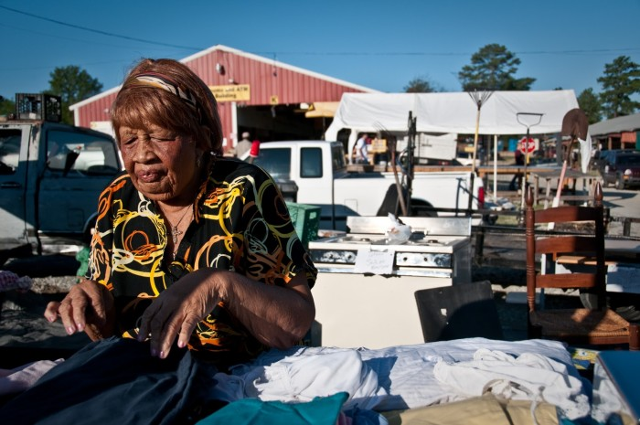 2) Smiley's Flea Market- 6717 Hawkinsville Rd, Macon, GA 31216 Regular Hours - Sat & Sun 6am – 5pm.