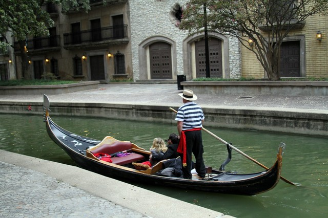 2) Gondola Adventures (Irving)