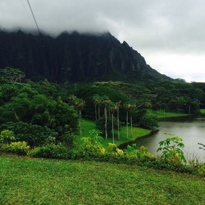 2) Located at the Ho'omaluhia Botanical Garden in Kaneohe is a gorgeous, unnamed, 32-acre freshwater lake.