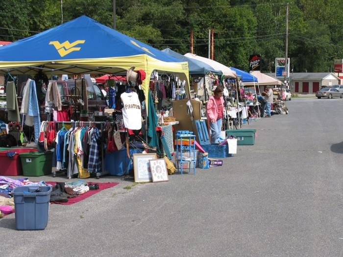 Flea market berkeley springs wv
