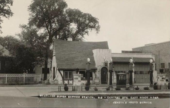 10. Westland Super Service Station in Minot, North Dakota, Circa 1930s