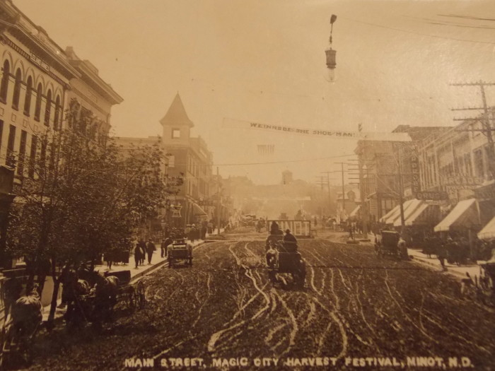 7. Downtown Minot, 1909
