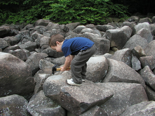 These Amazing Ringing Rocks In Pennsylvania Remain