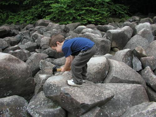 These Amazing Ringing Rocks In Pennsylvania Remain