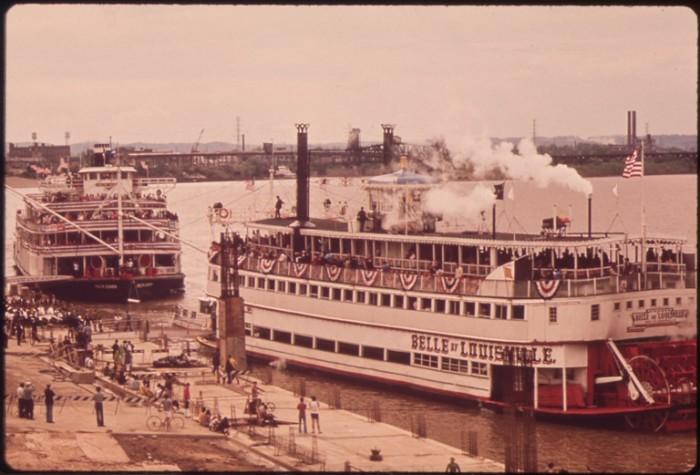 1. Ohio RIver Steam Boats
