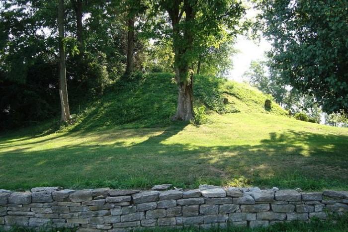 2. Roundhill Mound