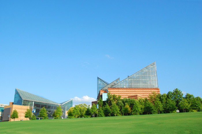 5) Tennessee Aquarium - Chattanooga