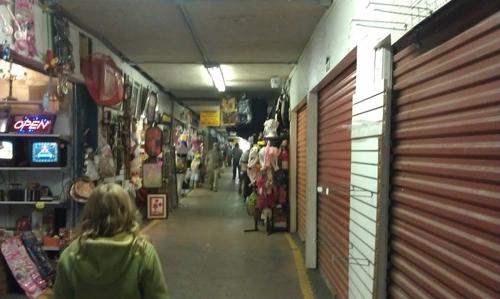 7) Lake Acworth Antique & Flee Market- 4361 Cobb Parkway North NW, Acworth, GA 30101 Regular Hours Sat - Sun 9:00 am - 5:00 pm