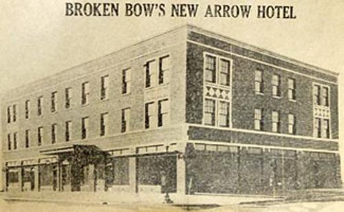 Arrow Hotel, Broken Bow