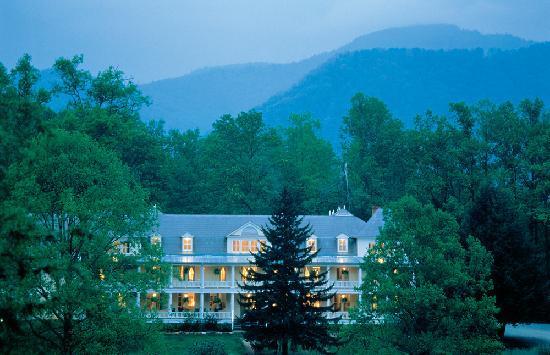 8. Balsam Mountain Inn