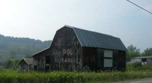 You Will Fall In Love With These 12 Beautiful Old Barns In West Virginia