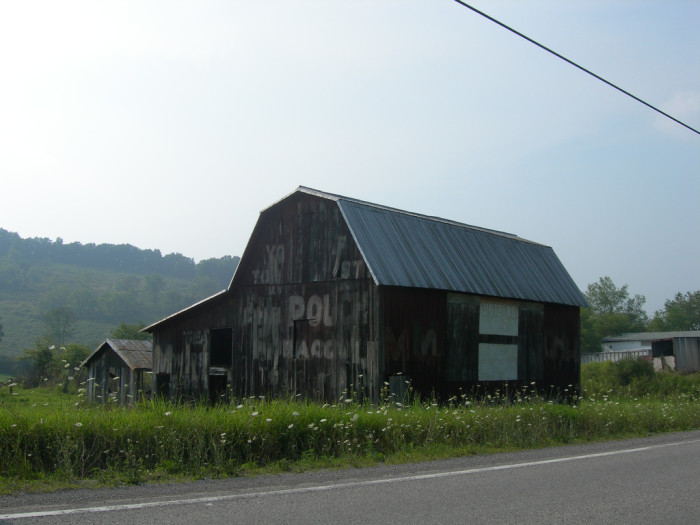 11. This Mail Pouch barn on the side of a country road.