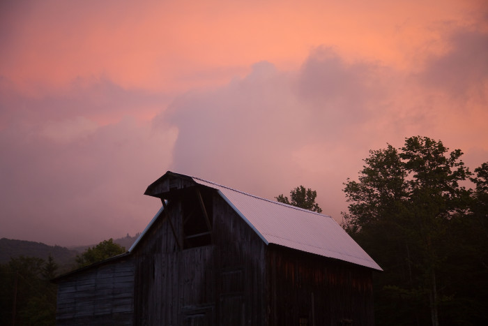 3. This barn that seems more beautiful at sunset