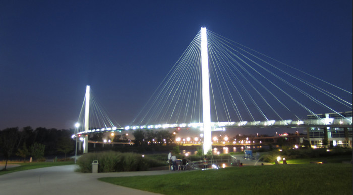 3. The Bob Kerrey Pedestrian Bridge in Omaha is the Largest Pedestrian Bridge Connecting Two States.