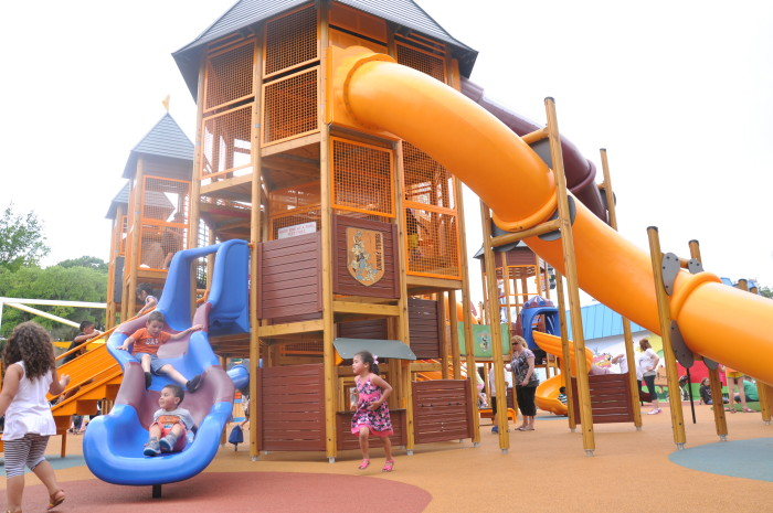 8) Bugs Bunny Boomtown, Six Flags Over Texas (Arlington)