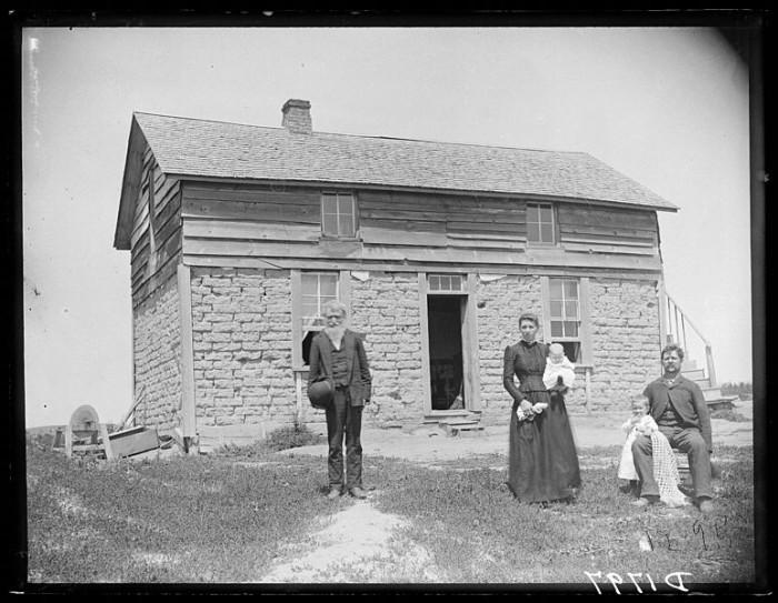 Frederic Shreyer's Sod House, Custer County, 1880s