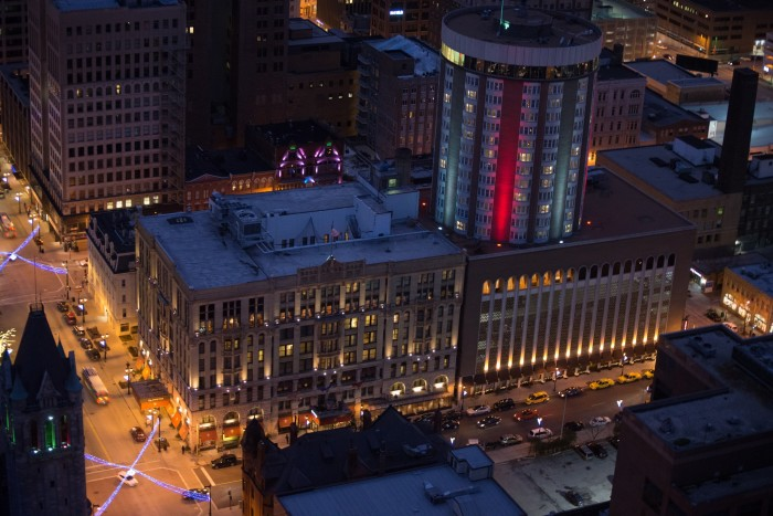 1. Pfister Hotel (Milwaukee)