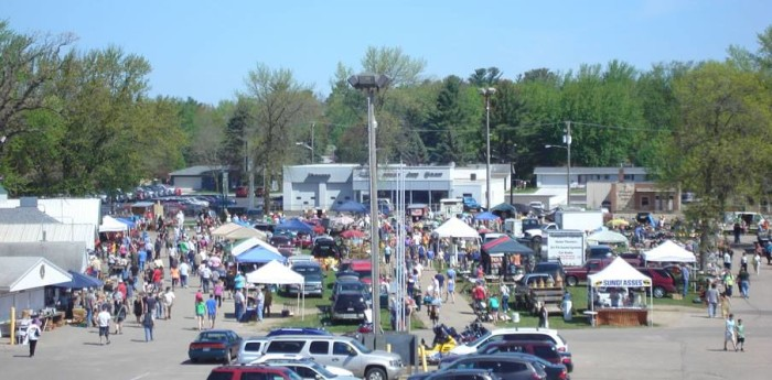 11 Must Visit Flea Markets In Wisconsin