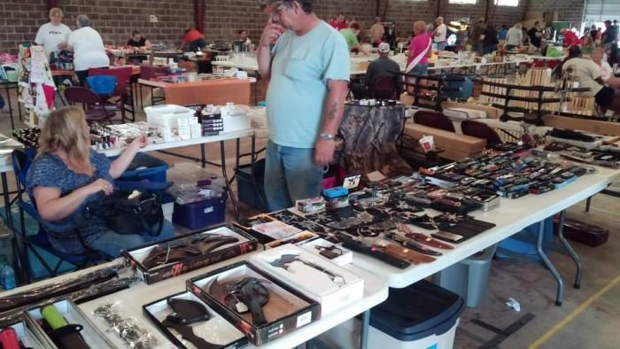 Flea market belleville il