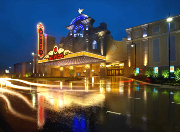 8 of the coolest movie theaters in illinois