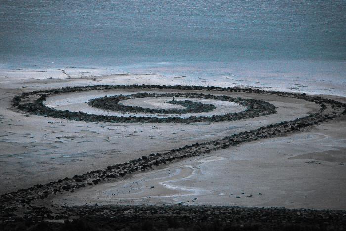 4) Spiral jetty, Great Salt Lake