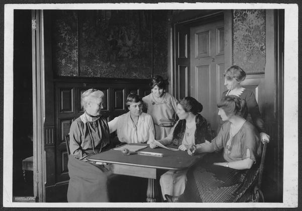 7) Tennessee was the 36th state to ratify the 19th amendment, supporting a woman's right to vote.