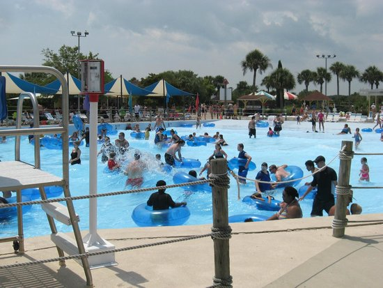 summer-waves-water-park